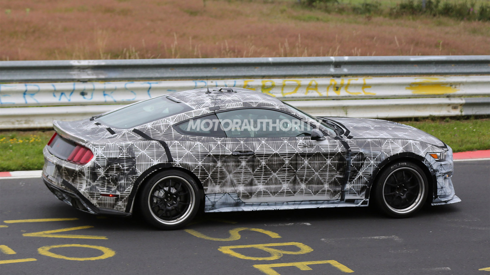 2016 Ford Mustang GT350 (SVT) spy shots