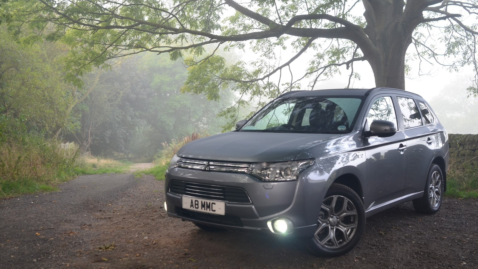 Mitsubishi Outlander Plug-In Hybrid - UK version