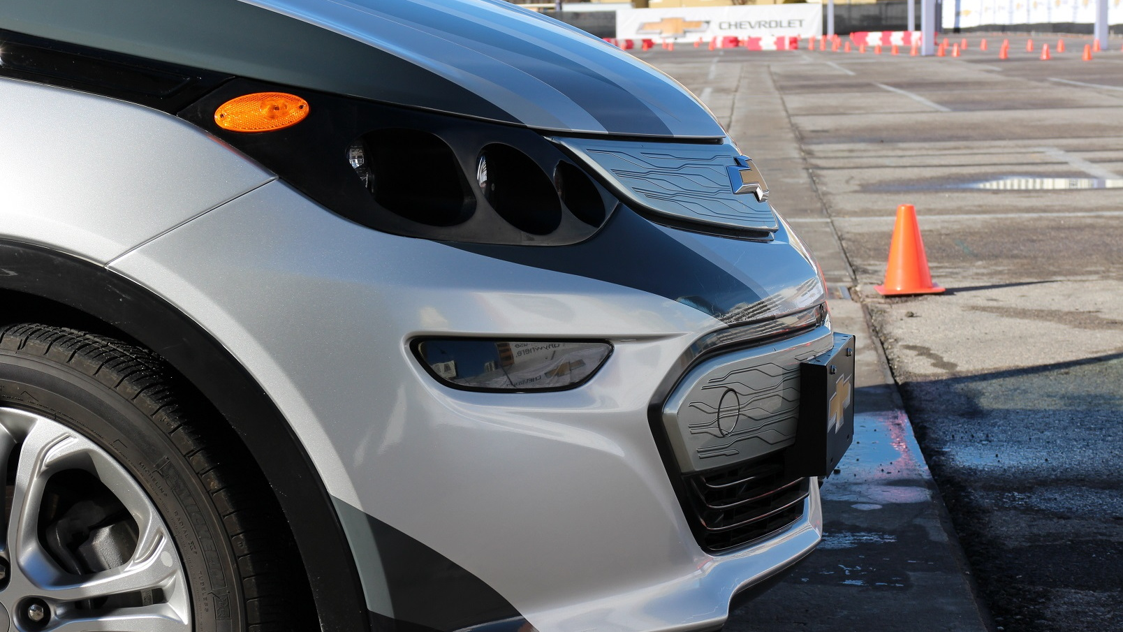 Engineering development version of Chevrolet Bolt EV, Las Vegas, Jan 2016