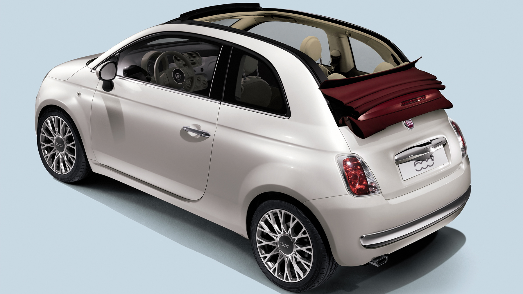 video u s bound fiat 500c convertible on the road. Black Bedroom Furniture Sets. Home Design Ideas