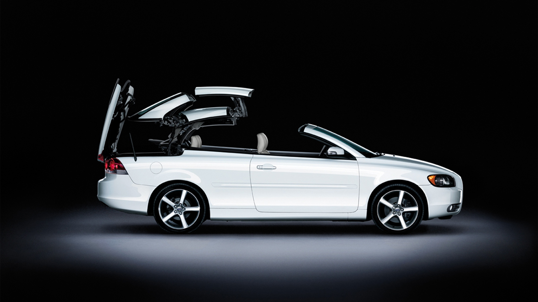 2009 volvo c70 ice white special edition 002