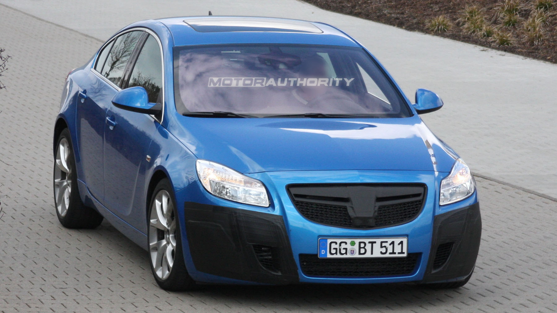 2010 opel insignia opc spy shots march 001