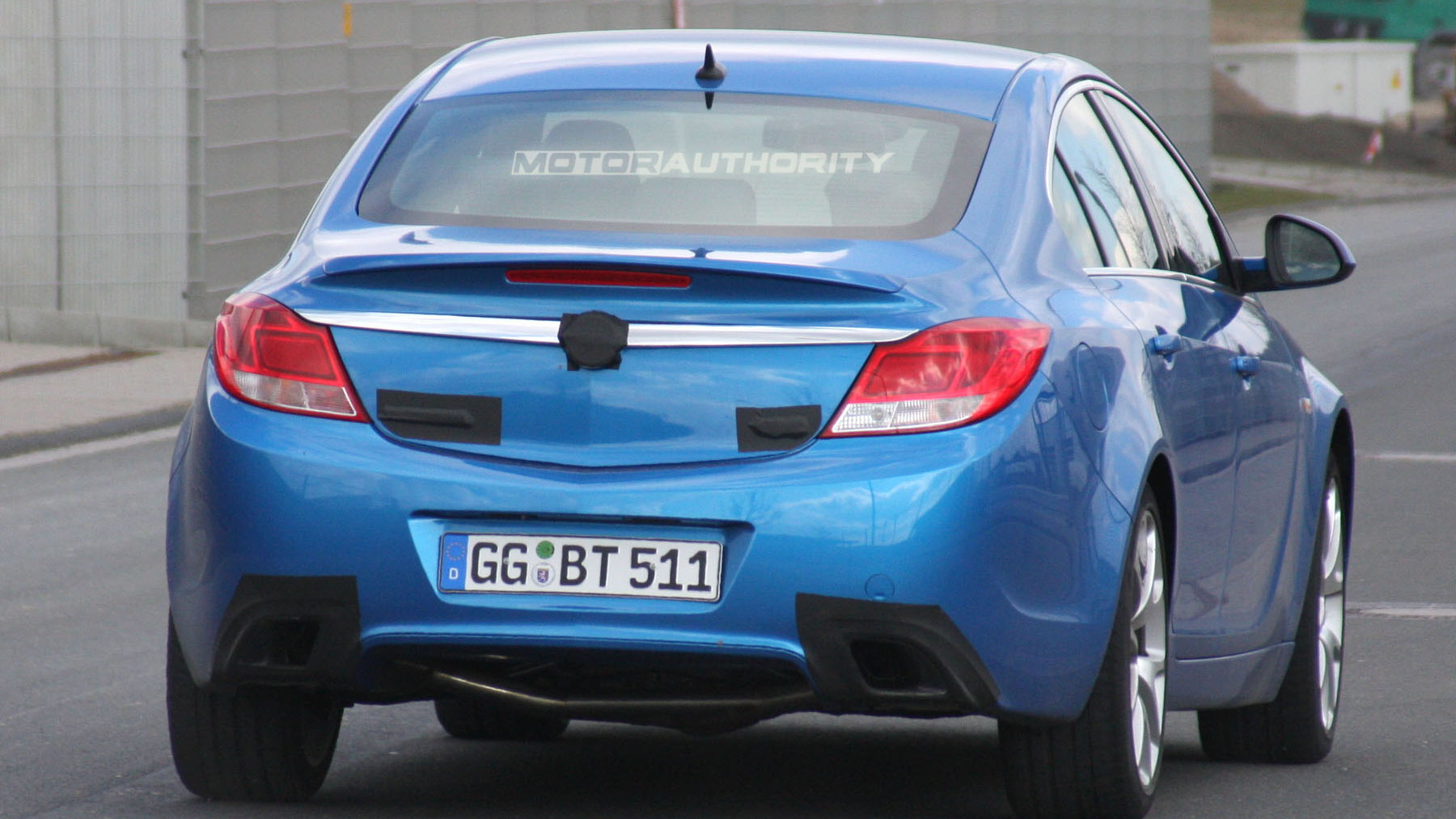 2010 opel insignia opc spy shots march 005