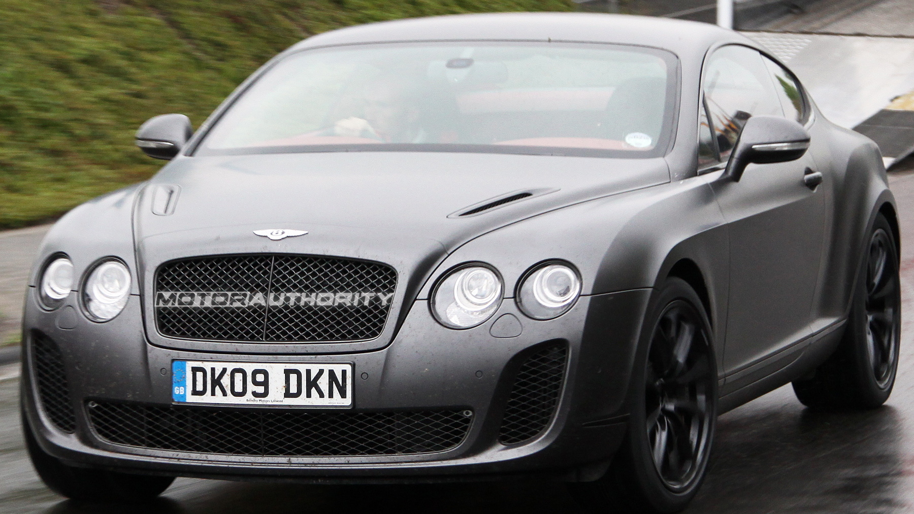 2010 bentey continental supersports spy shots may 003