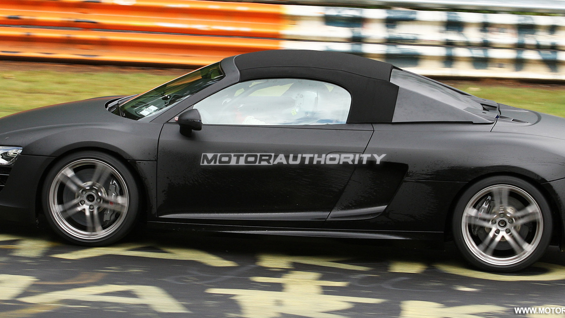 2011 audi r8 spyder spy shots june 009