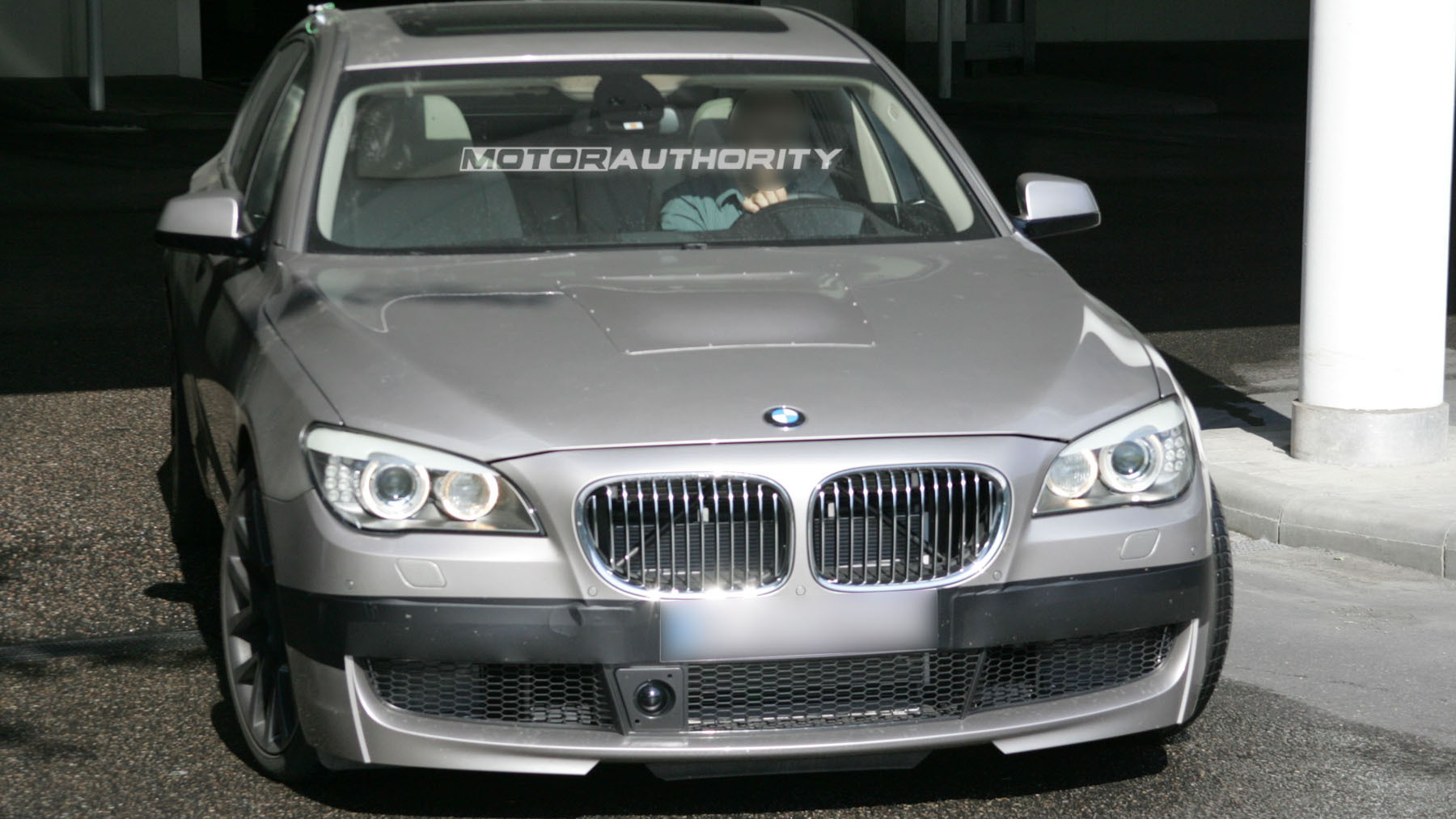 2011 bmw m7 7 series spy shots june 003