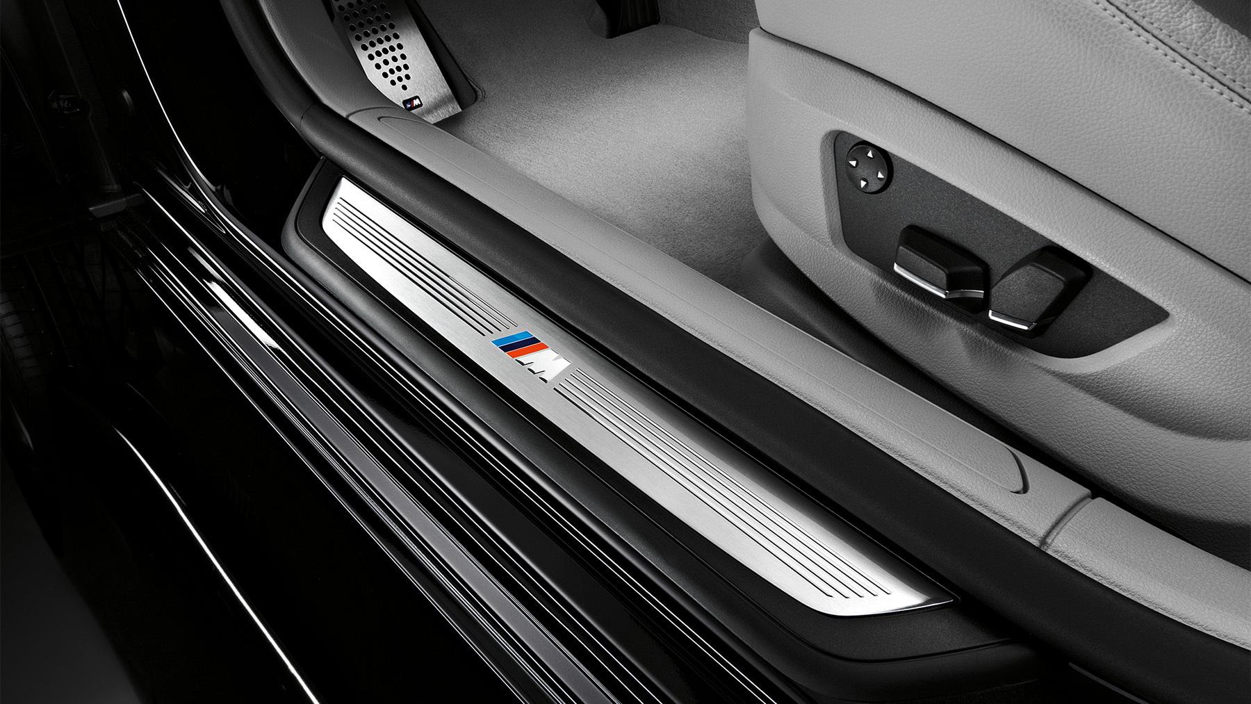 2010 bmw 7 series m sport interior 001