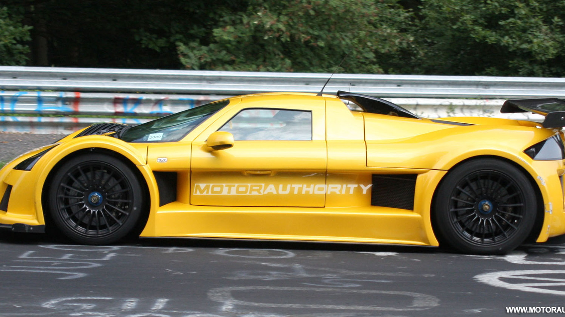 gumpert apollo speed spy shots june 003