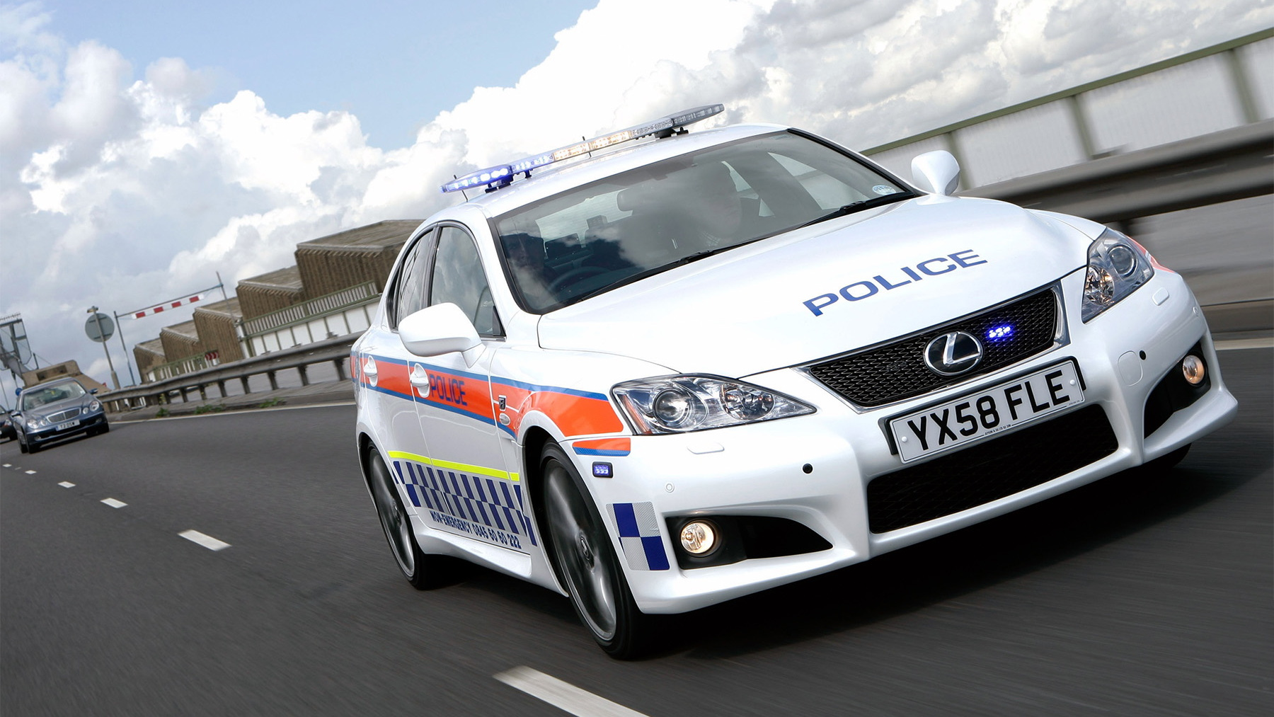 2009 lexus is f police car 004