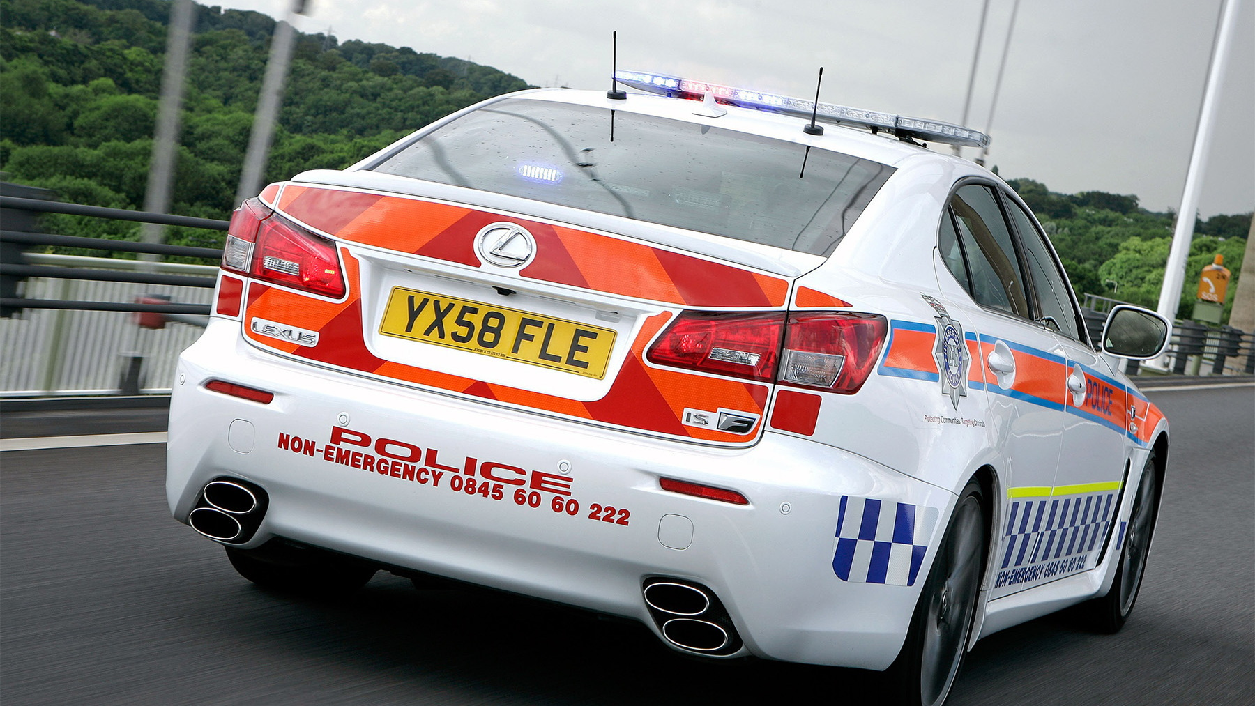 2009 lexus is f police car 005