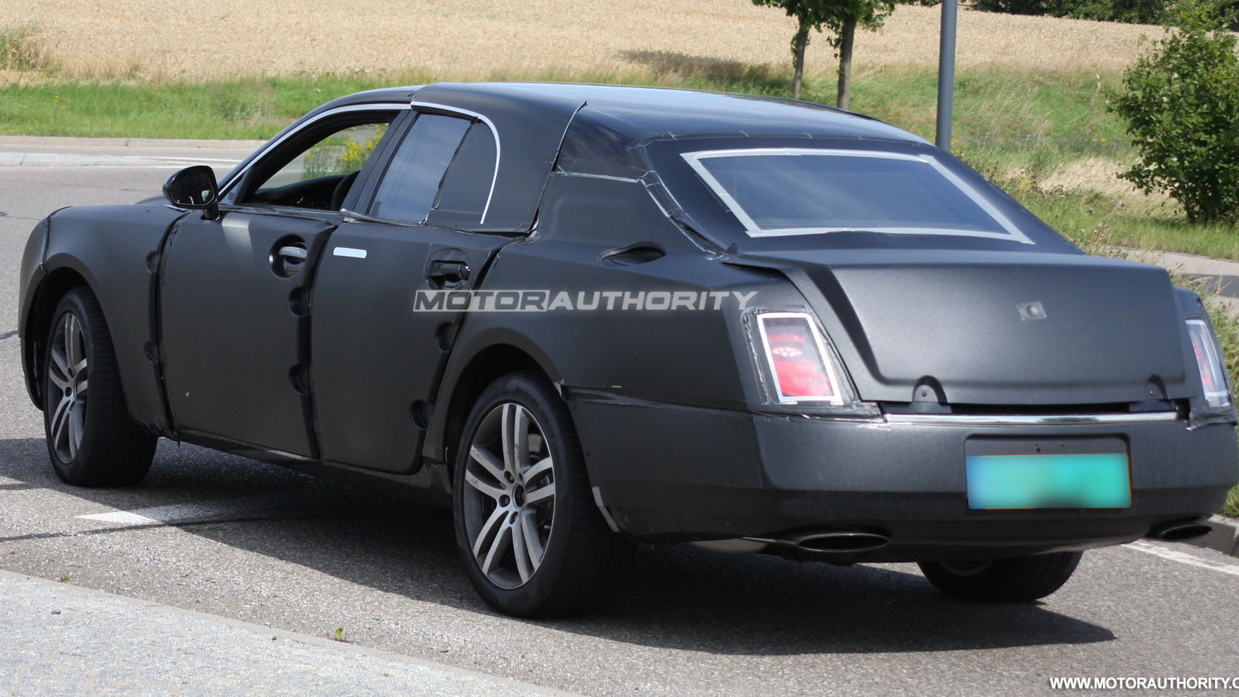 2010 grand bentley arnage replacement spy shots july 004