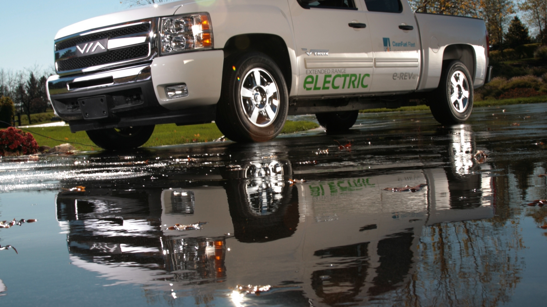 Via eREV range-extended electric pickup