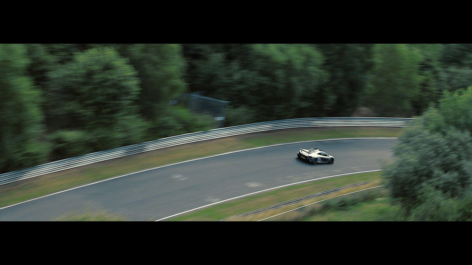 McLaren P1 laps the Nürburgring