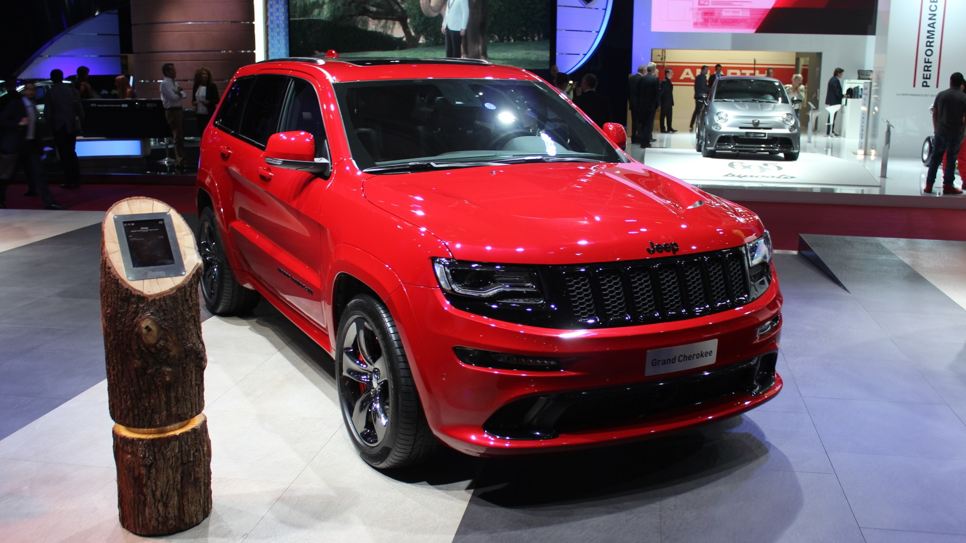 2015 Jeep Grand Cherokee SRT Red Vapor Limited Edition (Euro-spec)  -  2014 Paris Auto Show