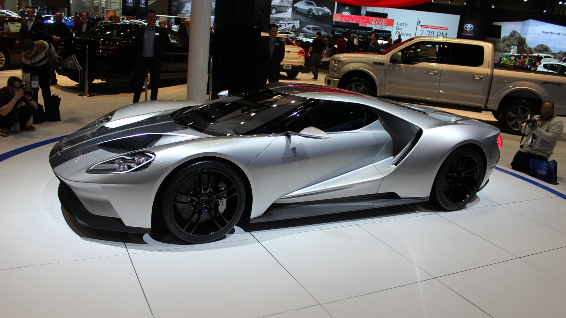 Ford GT prototype  -  2015 Chicago Auto Show live photos