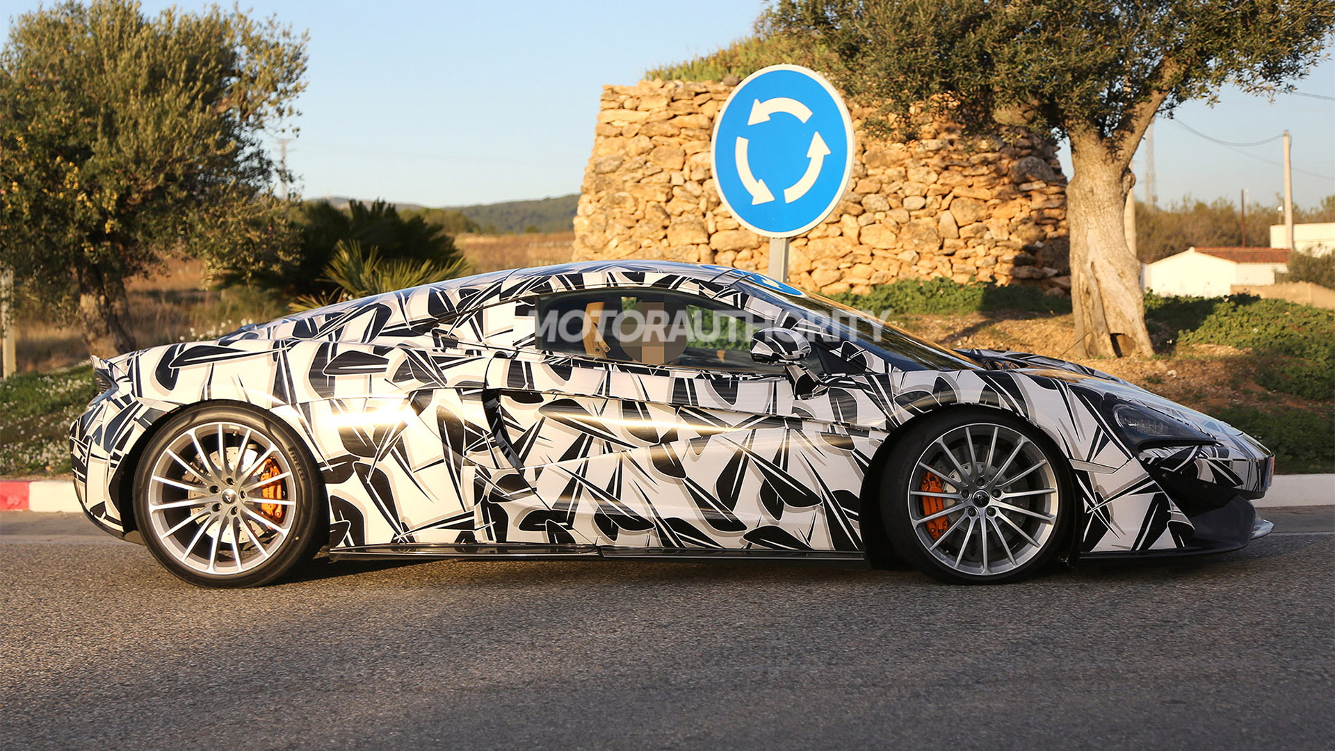 McLaren Sports Series GT spy shots - Image via S. Baldauf/SB-Medien