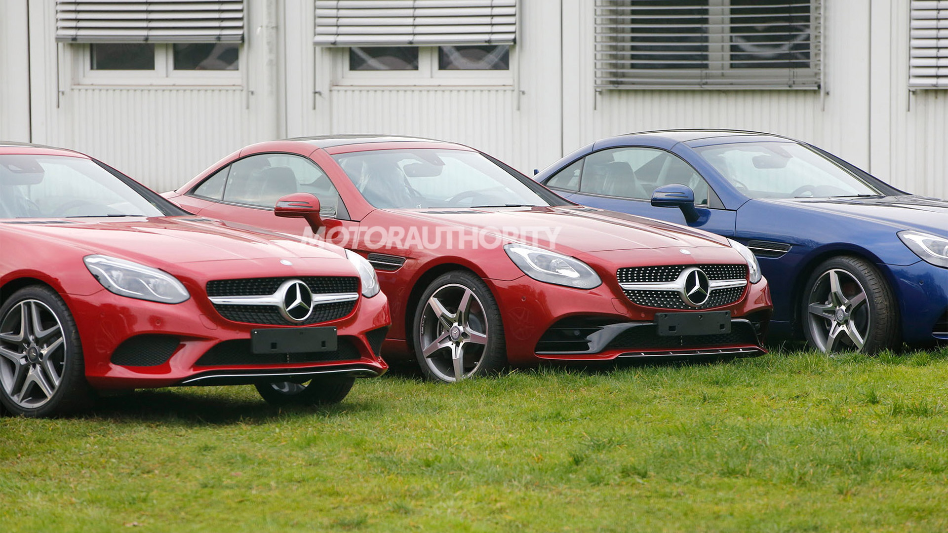 2017 Mercedes-Benz SLC (SLK-Class facelift) spy shots - Image via S. Baldauf/SB-Medien
