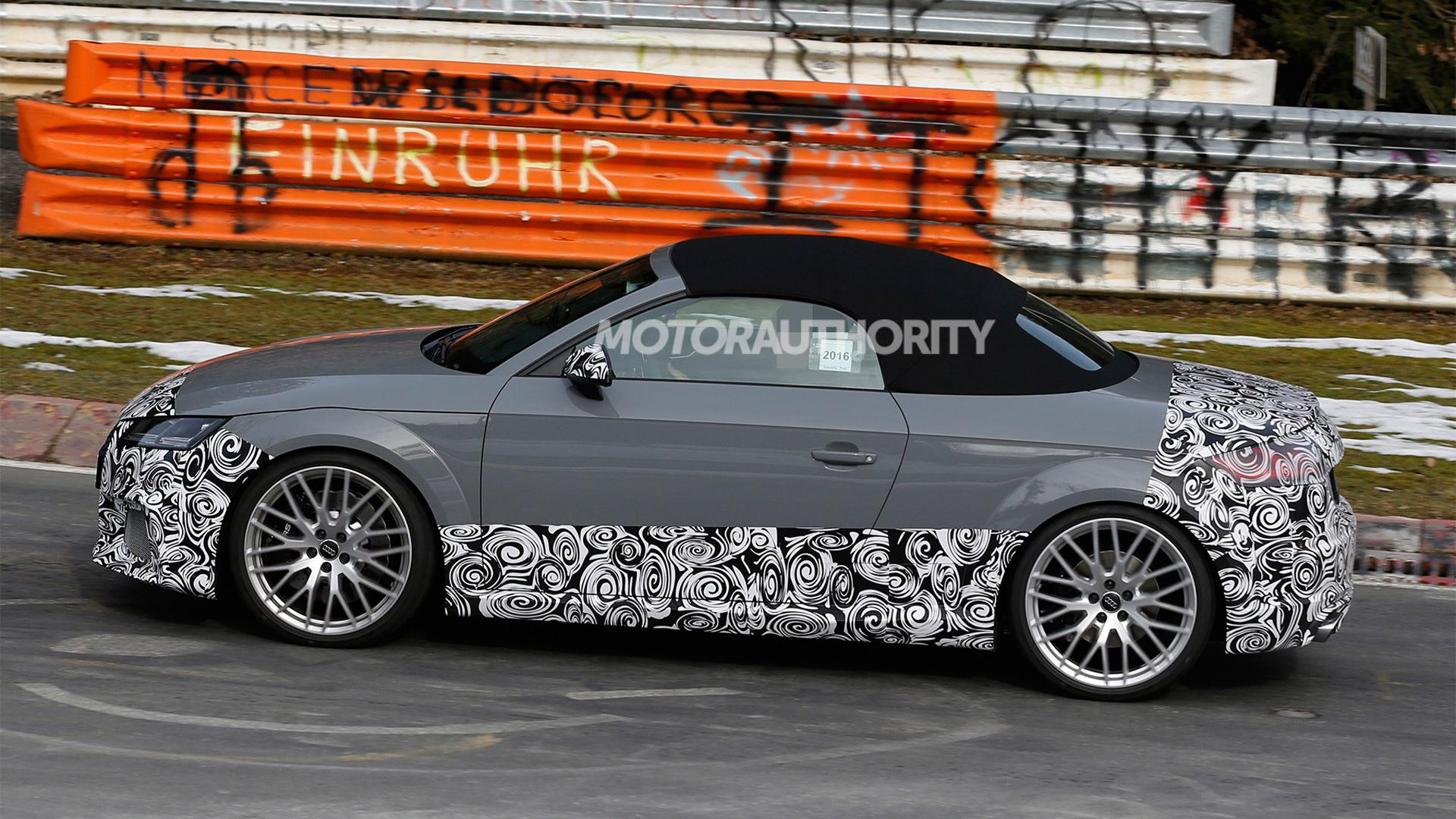 2017 Audi TT RS Roadster spy shots - Image via S. Baldauf/SB-Medien