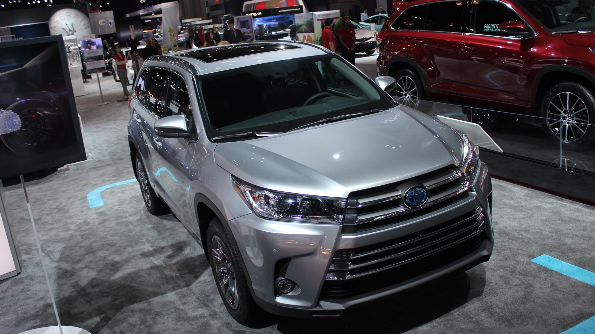 2017 Toyota Highlander Hybrid  -  2016 New York Auto Show iive photos