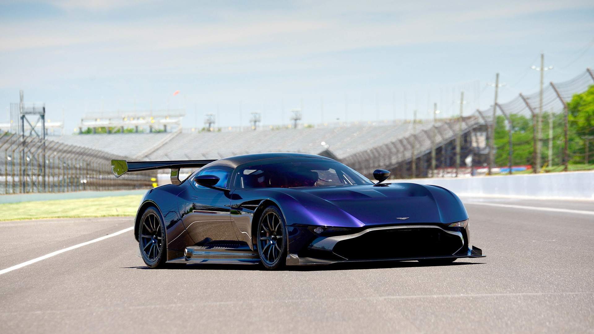 Aston Martin Vulcan - Image via Mecum Auctions
