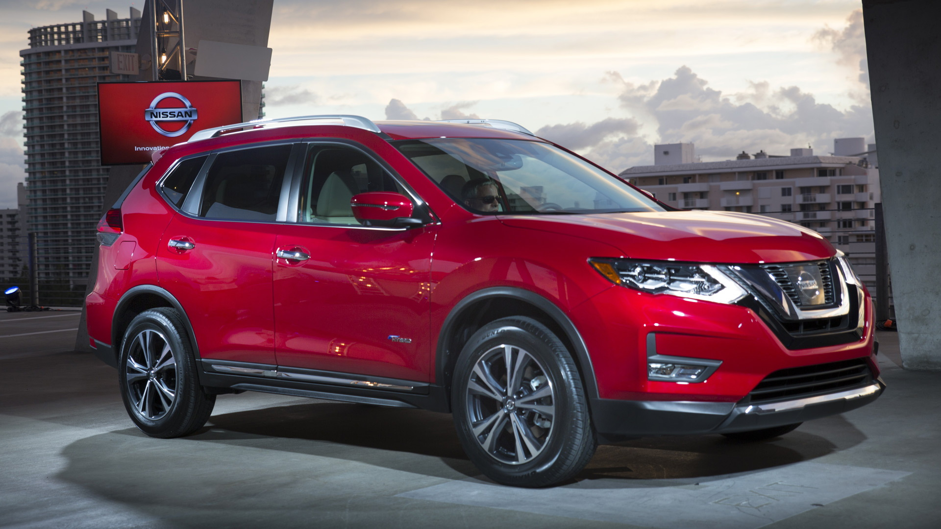 2017 Nissan Rogue Hybrid Better Prospects Than Pathfinder Murano For Small Hybrid Suv
