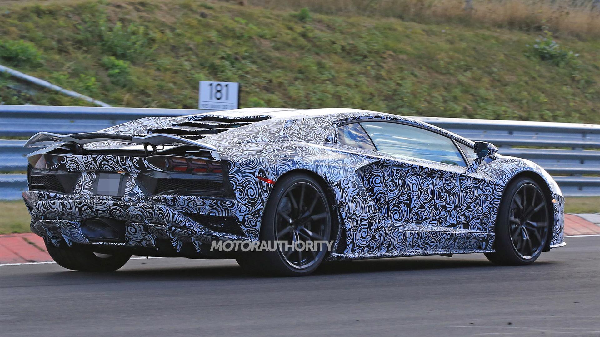 2018 Lamborghini Aventador spy shots - Image via S. Baldauf/SB-Medien