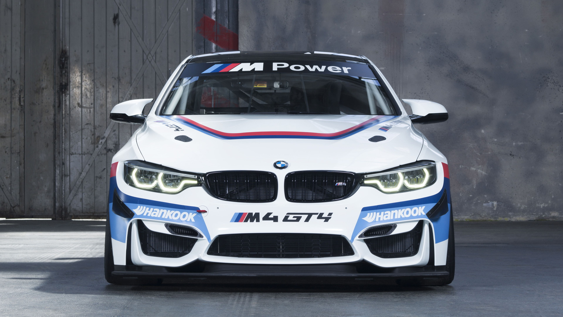 2018 BMW M4 GT4 race car