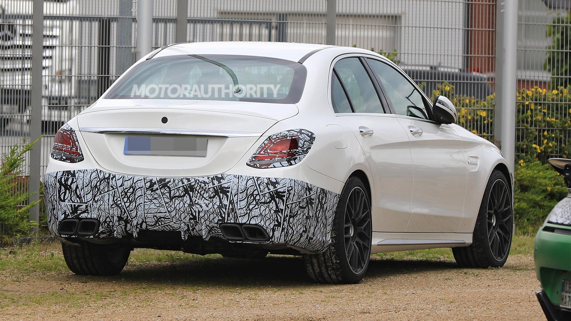 2019 Mercedes-AMG C63 facelift spy shots - Image via S. Baldauf/SB-Medien