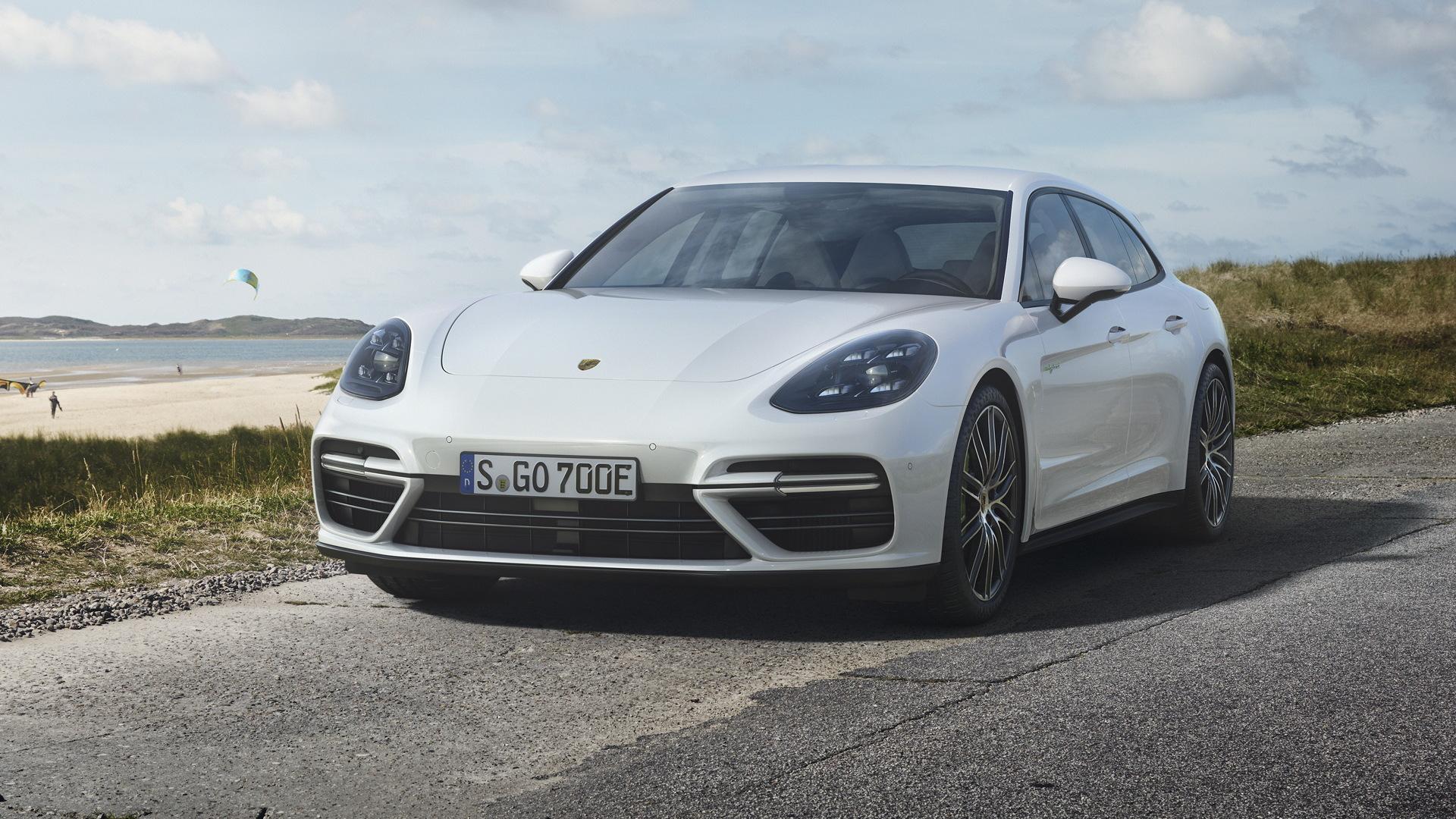 2018 Porsche Panamera Turbo S E-Hybrid Sport Turismo