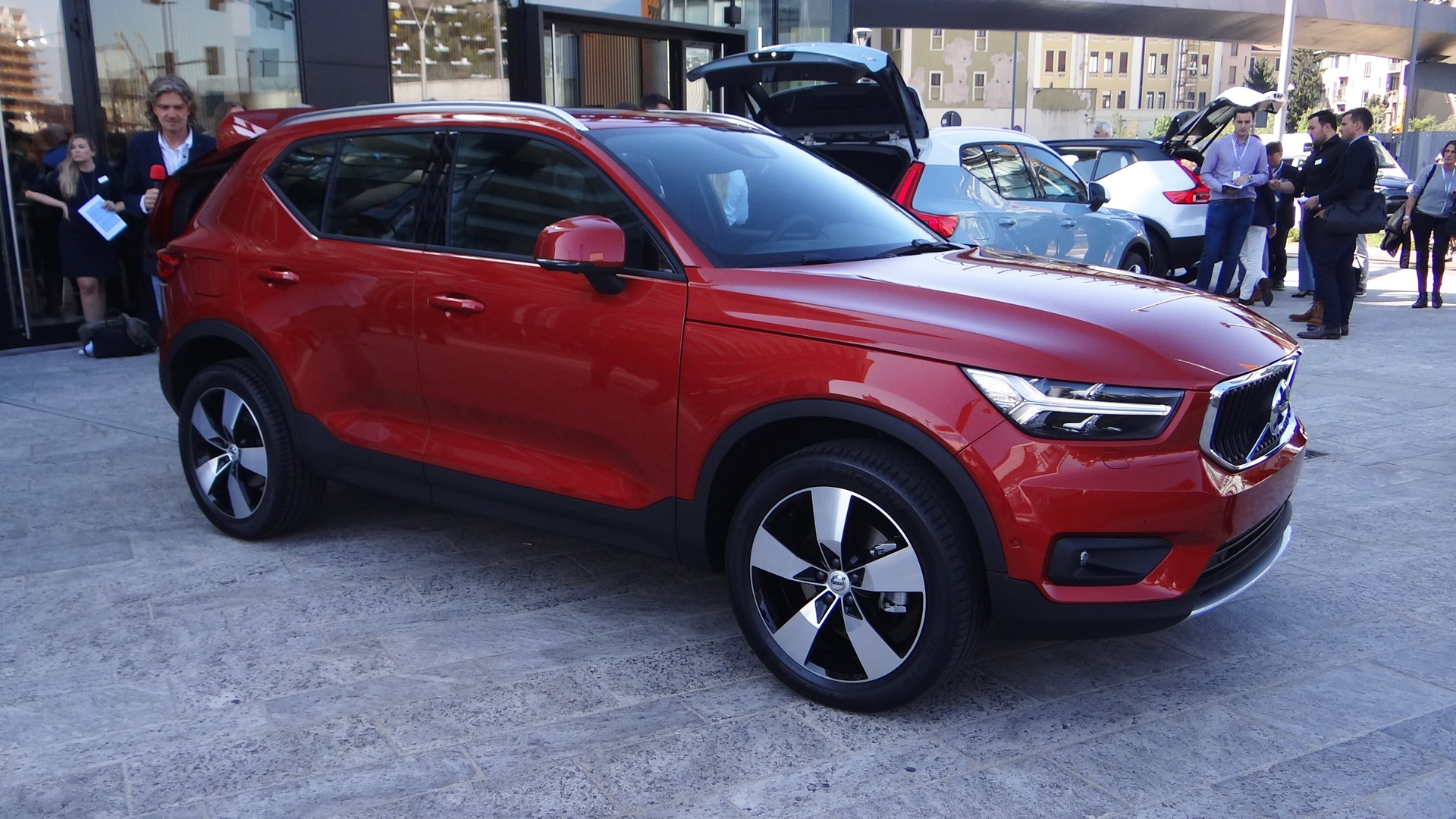 2019 Volvo Xc40 Small Suv To Become Brand S First Electric Car