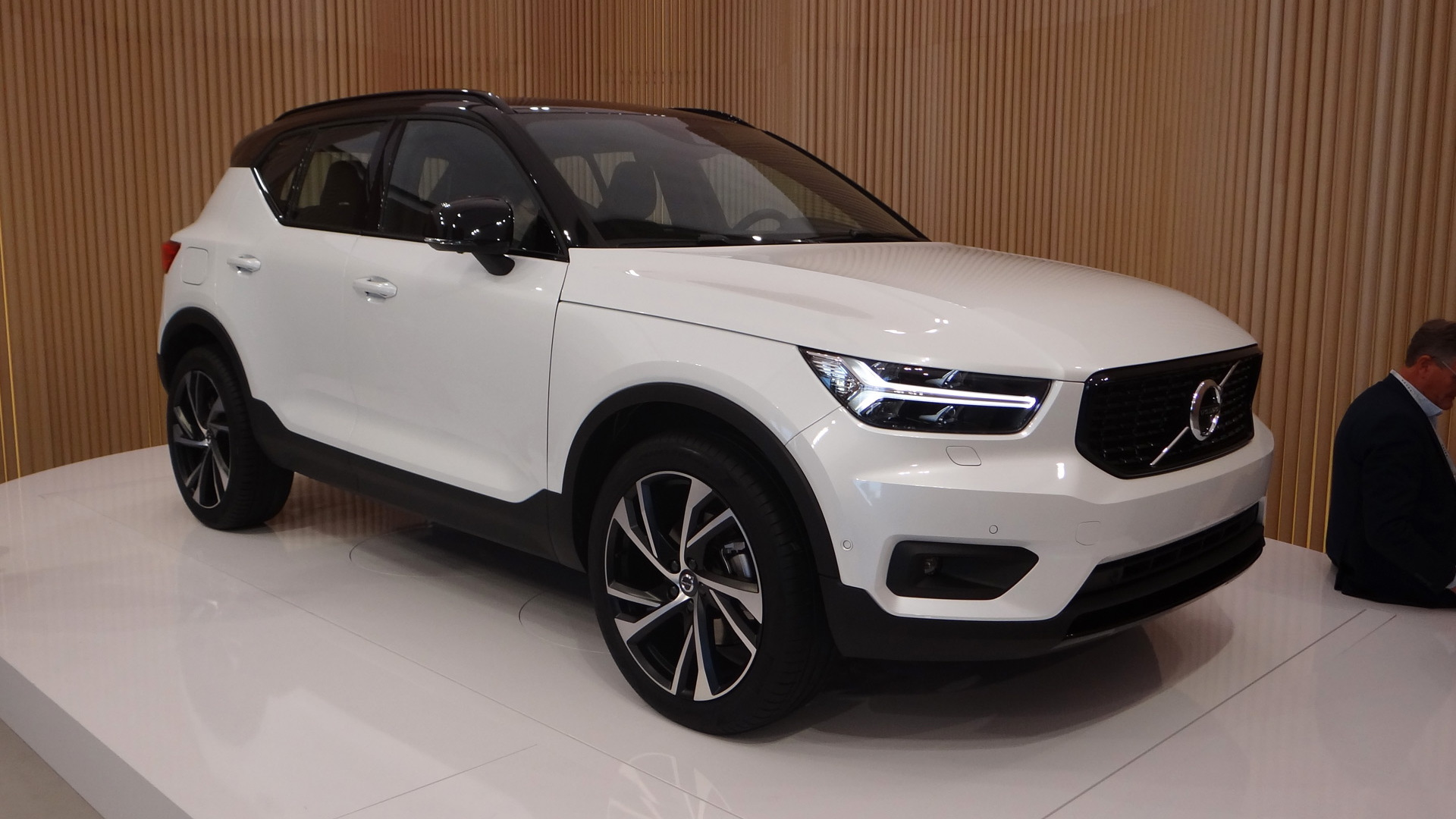 2019 volvo xc40 preview  buy your suv like you buy your smartphone