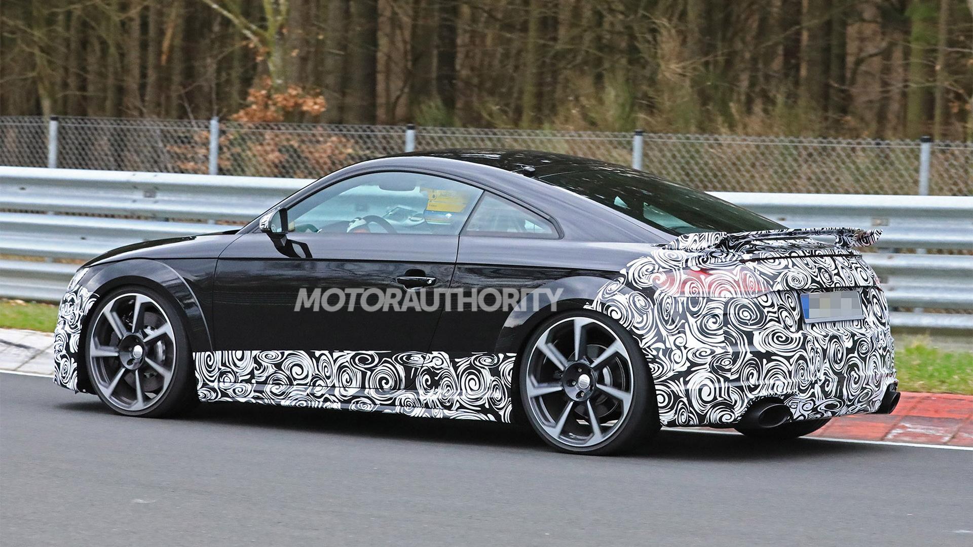 2020 Audi TT RS facelift spy shots - Image via S. Baldauf/SB-Medien
