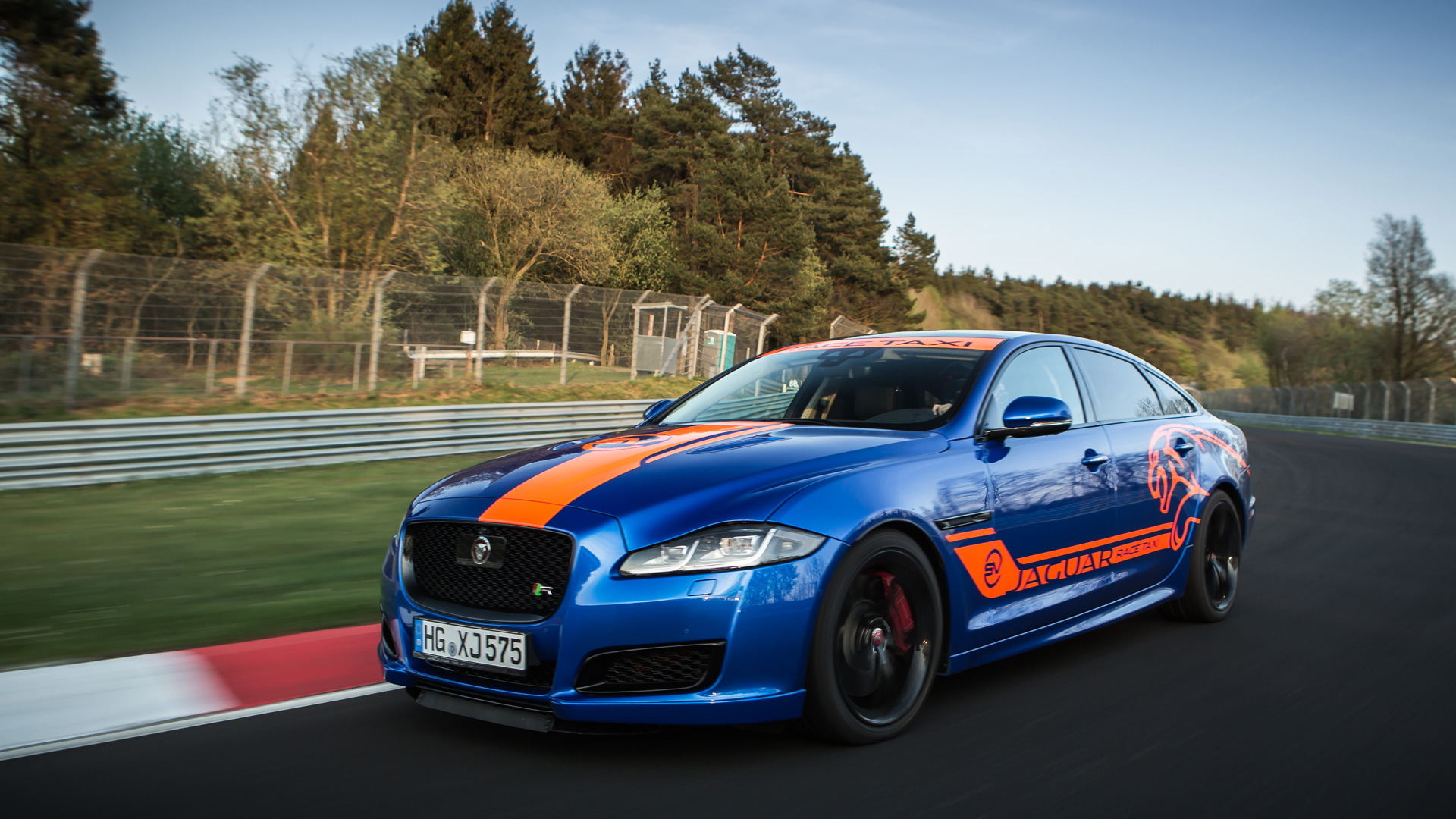 2018 Jaguar XJR575 Nürburgring Race Taxi