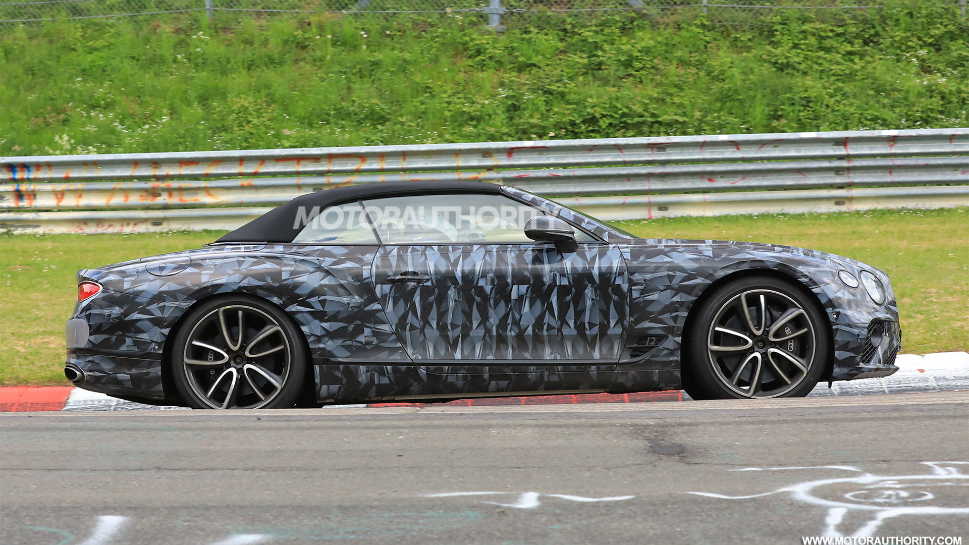 2019 Bentley Continental GT Convertible spy shots - Image via S. Baldauf/SB-Medien
