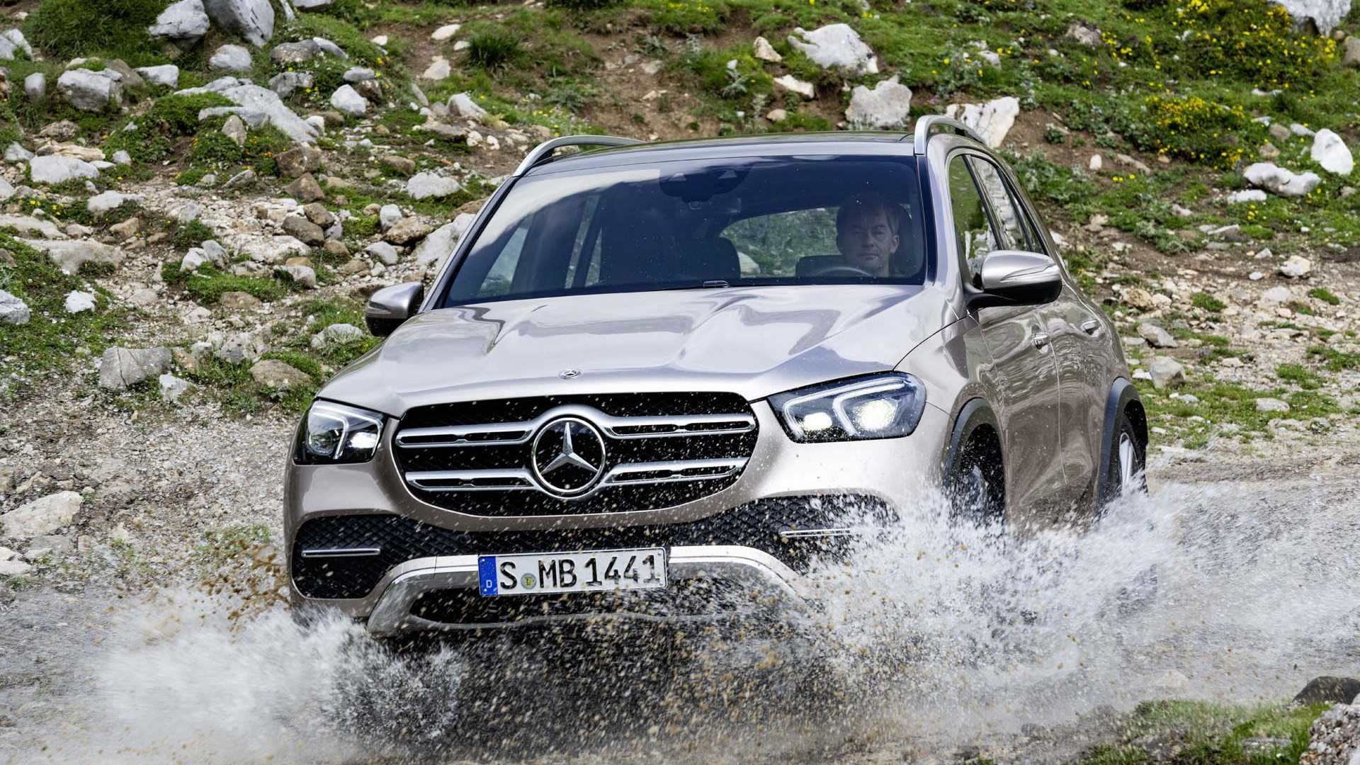 2020 Mercedes Benz Gle First Look Luxury Family Crossover Emphasis On Luxury