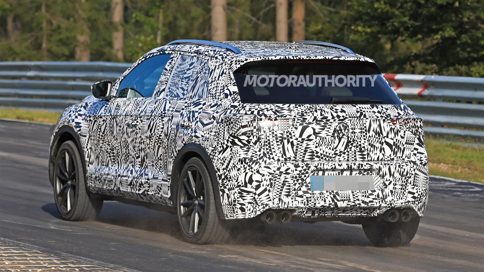 2019 Volkswagen T-Roc R spy shots - Image via S. Baldauf/SB-Medien