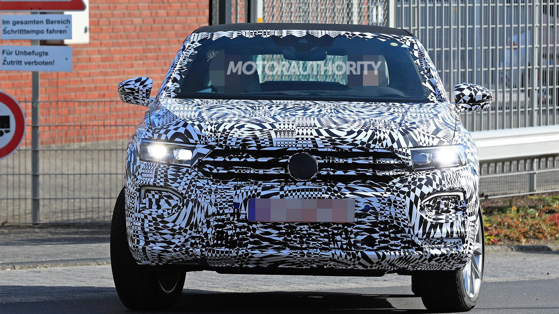 2020 Volkswagen T-Roc Cabriolet spy shots - Image via S. Baldauf/SB-Medien
