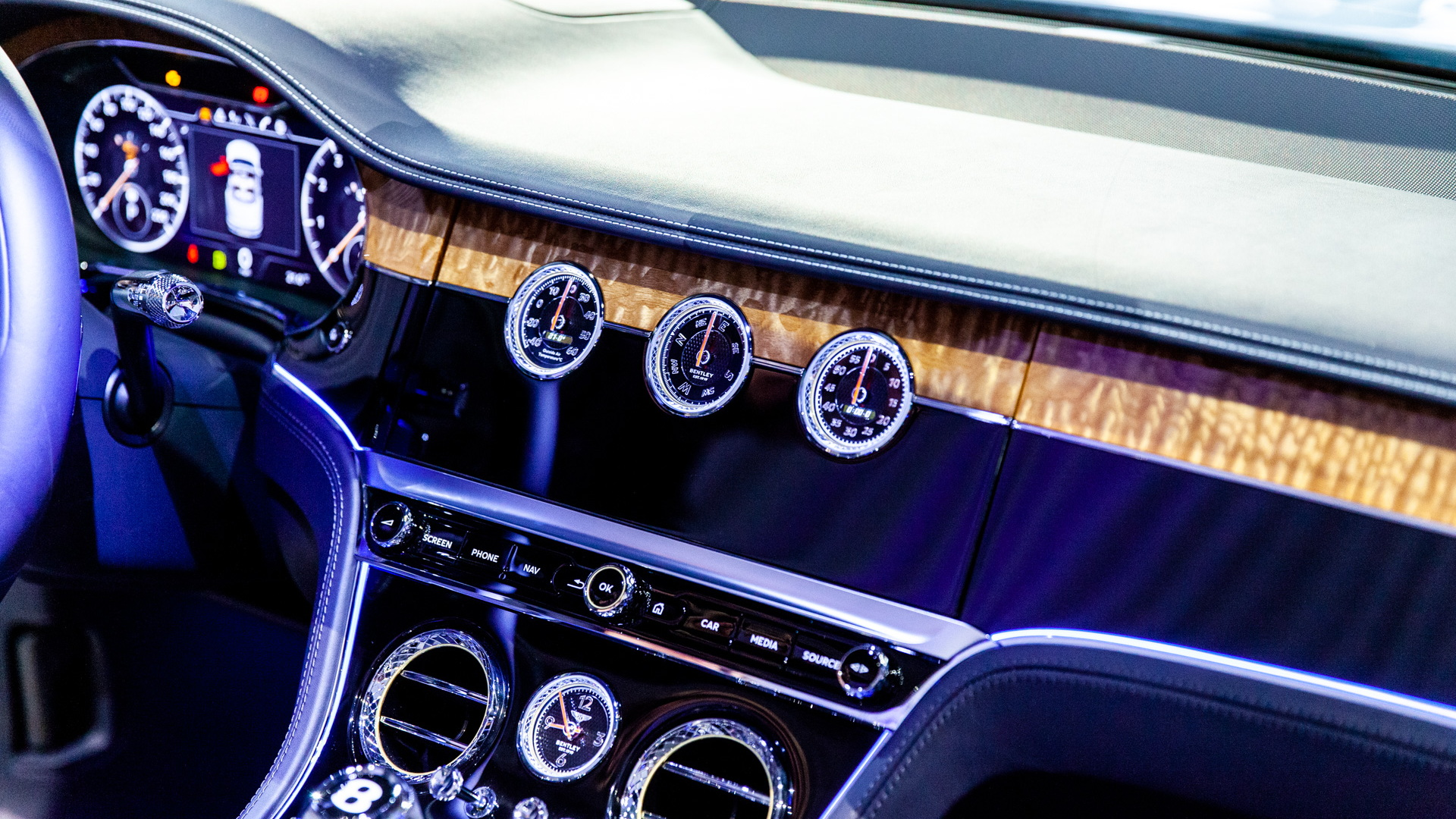 The Bentley Gt Convertible S Best Feature Is One We Ll Hardly See