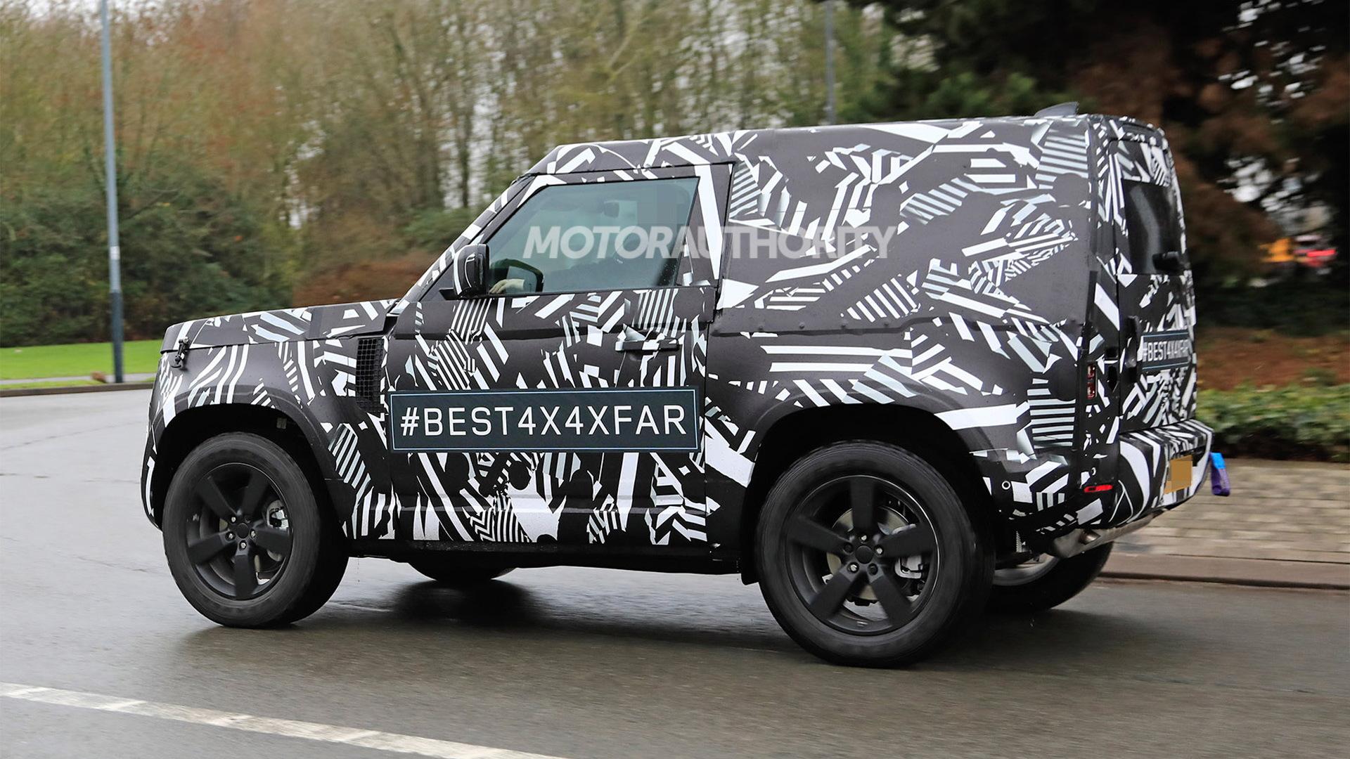 2021 Land Rover Defender 3-door spy shots - Image via S. Baldauf/SB-Medien