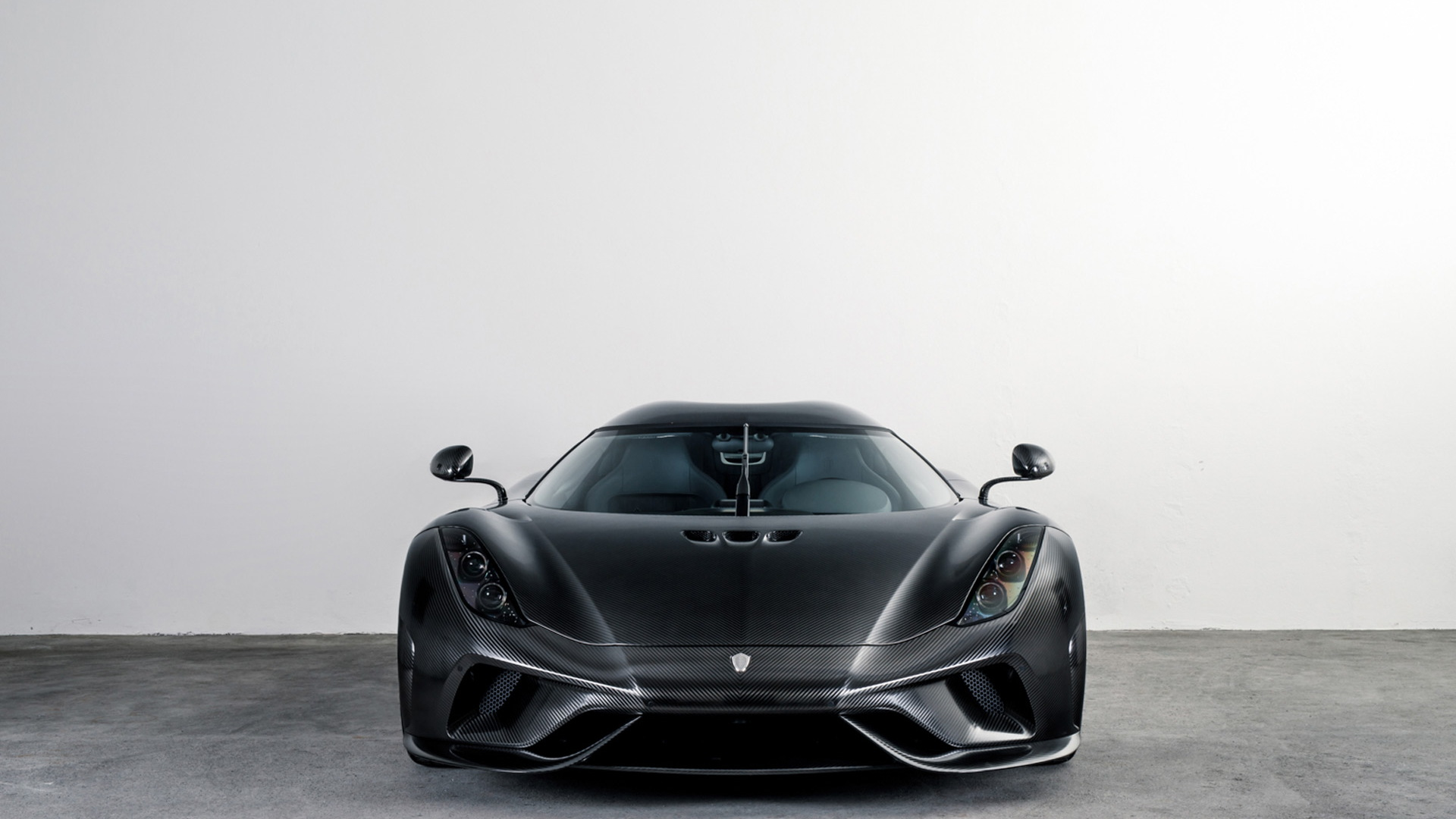 Koenigsegg Regera in bare carbon fiber - Image via Keno Zache Photography/Carage
