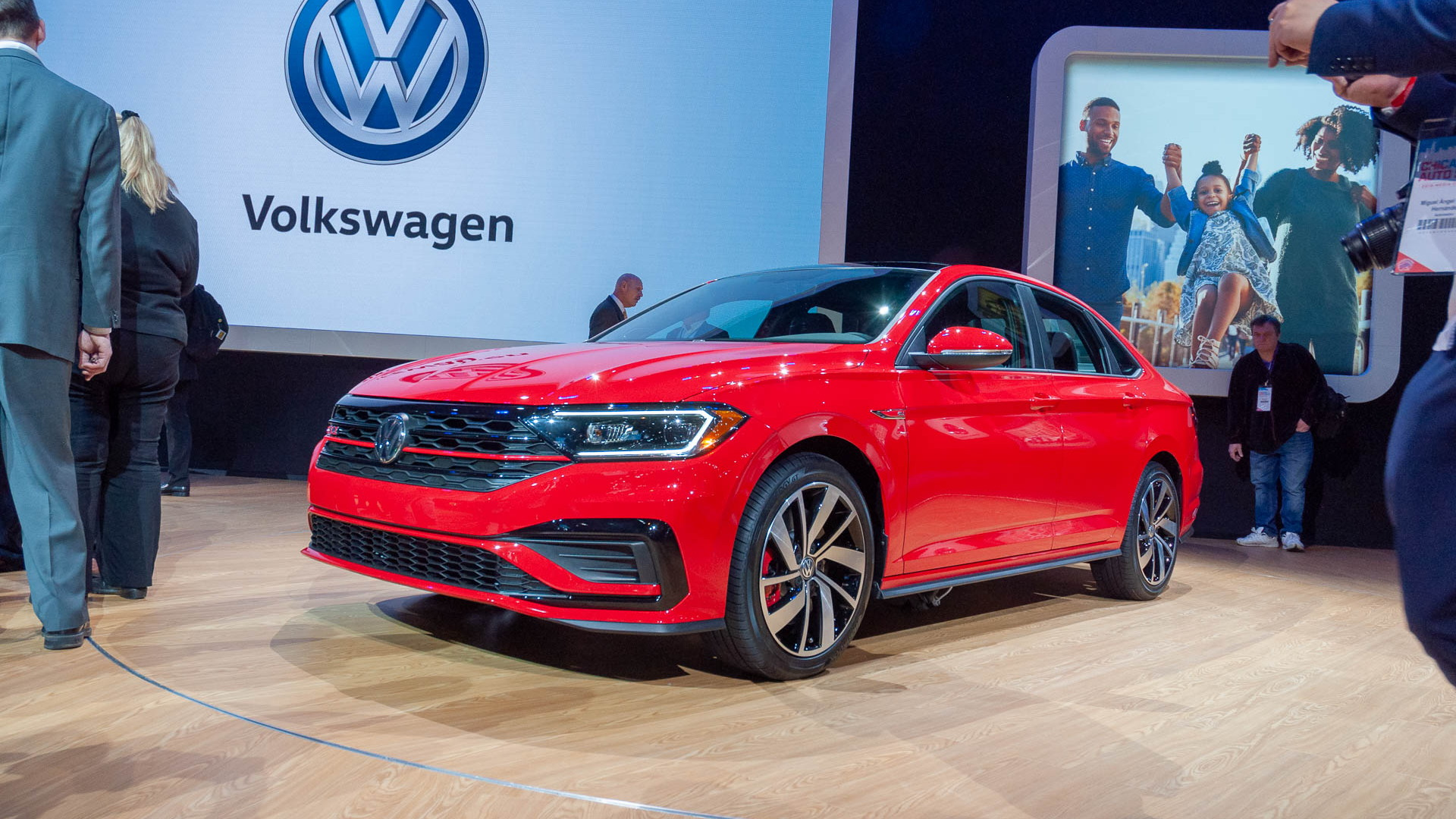 2019 Vw Jetta Gli Arrives With Gti And Golf R Hand Me Downs