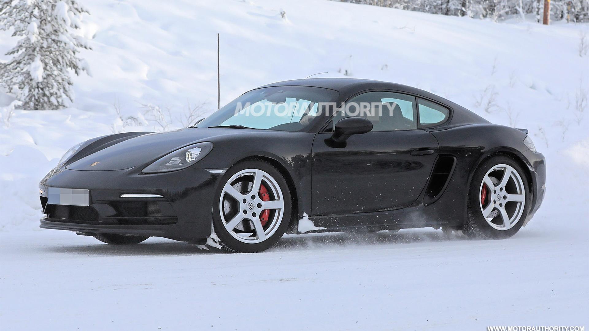 2020 Porsche 718 Cayman Touring spy shots - Image via S. Baldauf/SB-Medien
