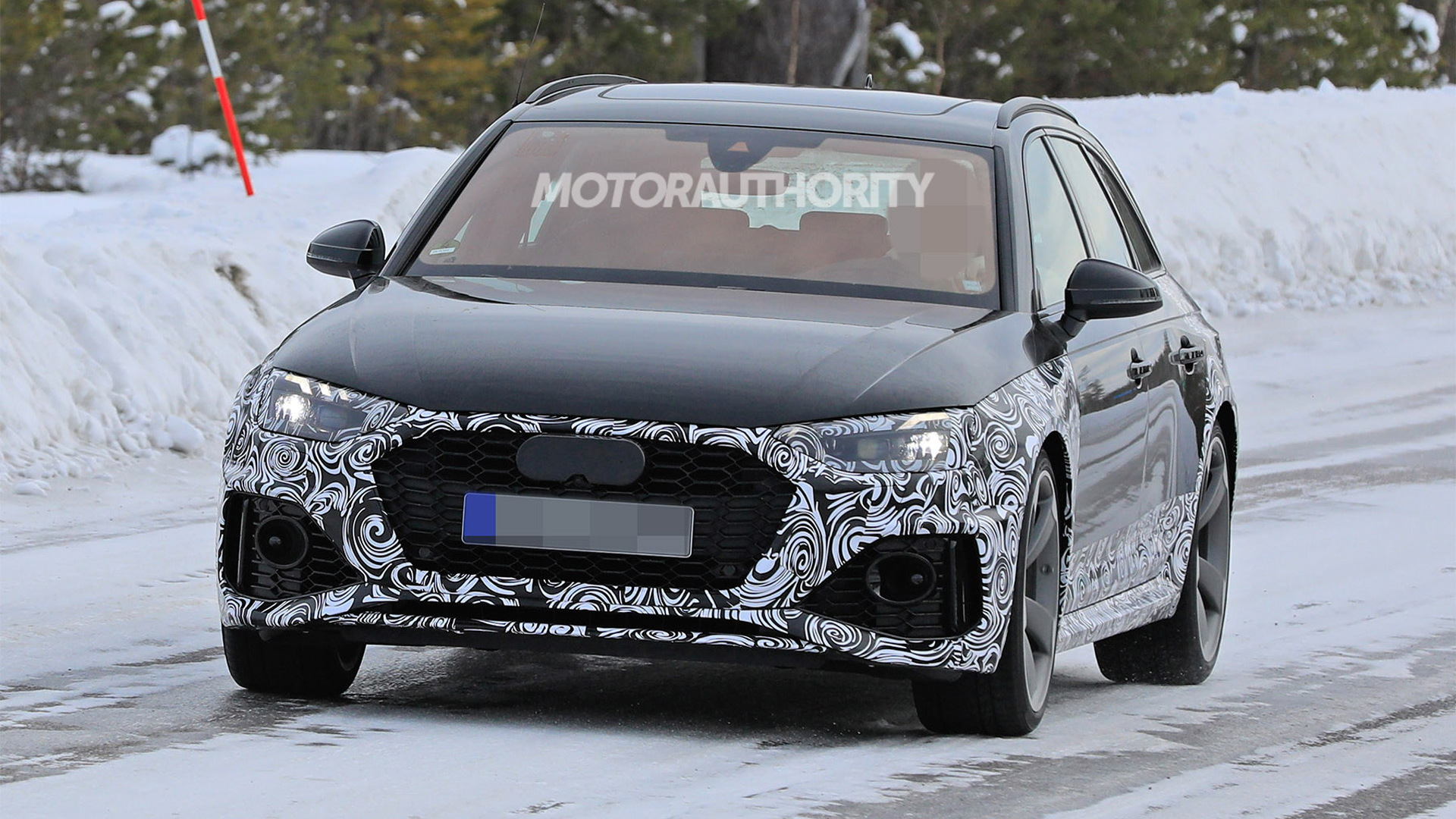 2021 Audi RS 4 Avant facelift spy shots - Image via S. Baldauf/SB-Medien