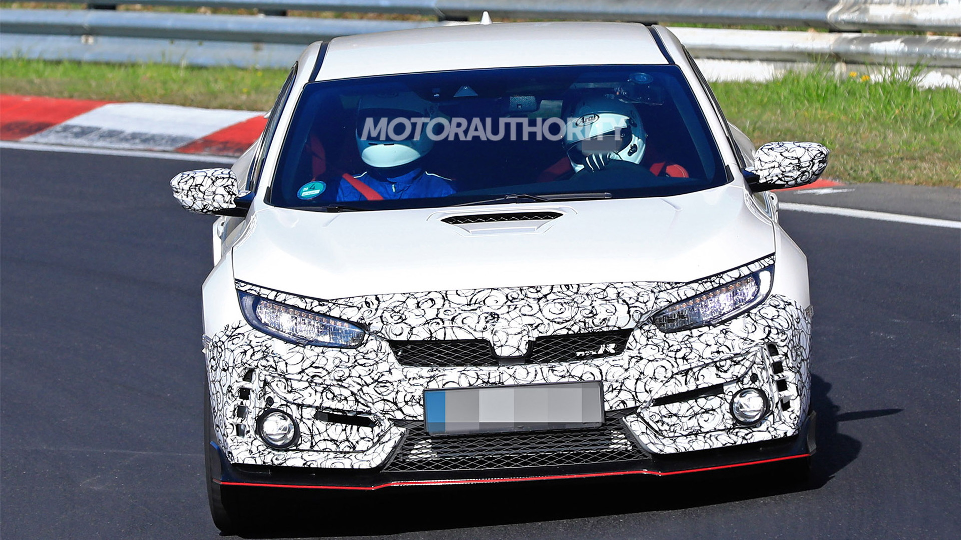 2020 Honda Civic Type R spy shots and video