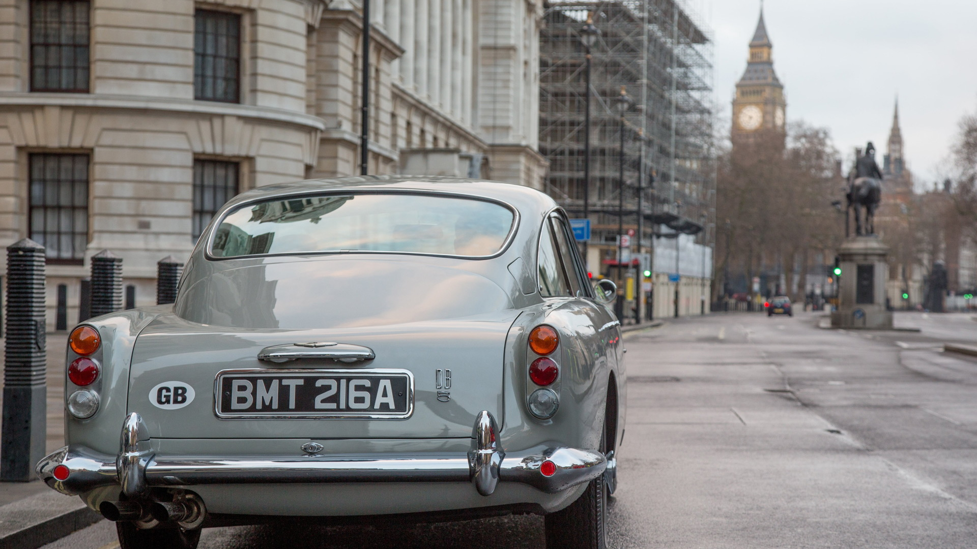 Watch How the 007 Gadgets on the Aston Martin Goldfinger DB5 Work