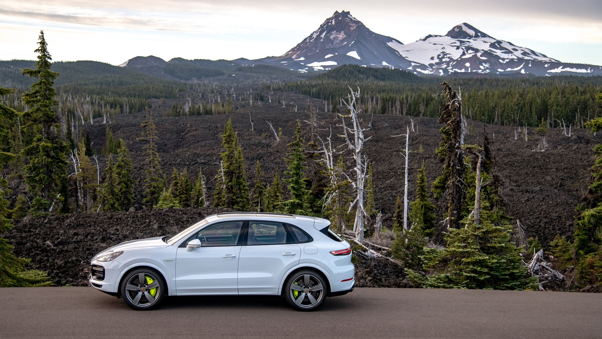 The Fastest Porsche Suv Ever Is A Plug In Hybrid