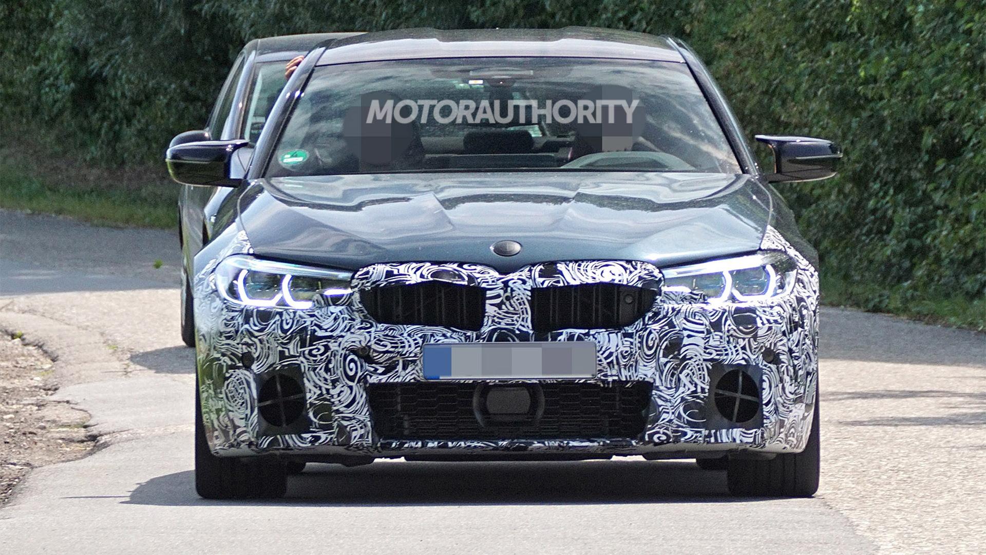 2021 BMW M5 facelift spy shots - Image via S. Baldauf/SB-Medien