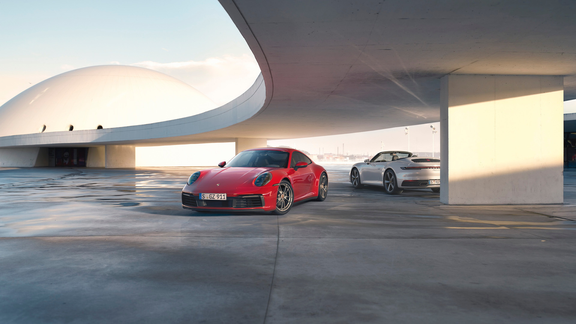2020 Porsche 911 Carrera 4 and Carrera 4 Cabriolet