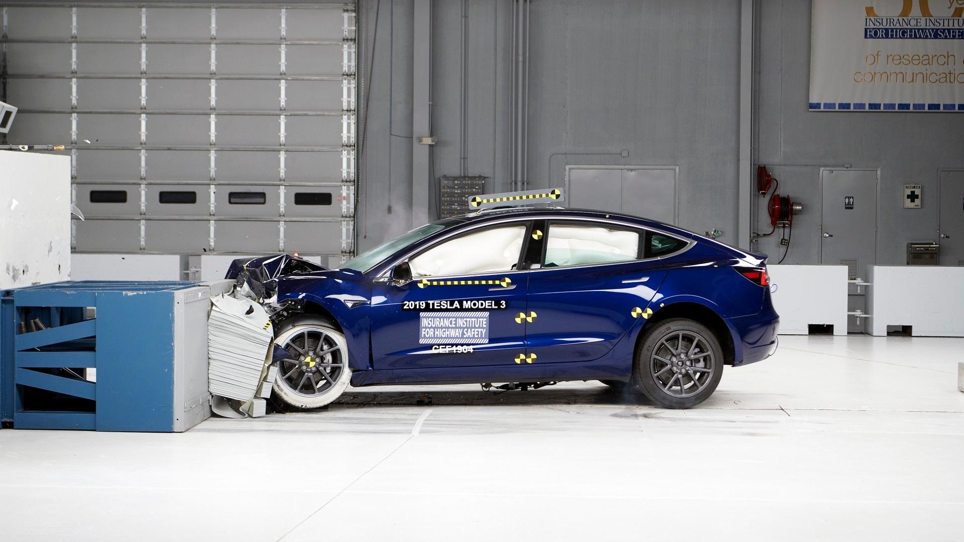 2019 Tesla Model 3  -  IIHS frontal test