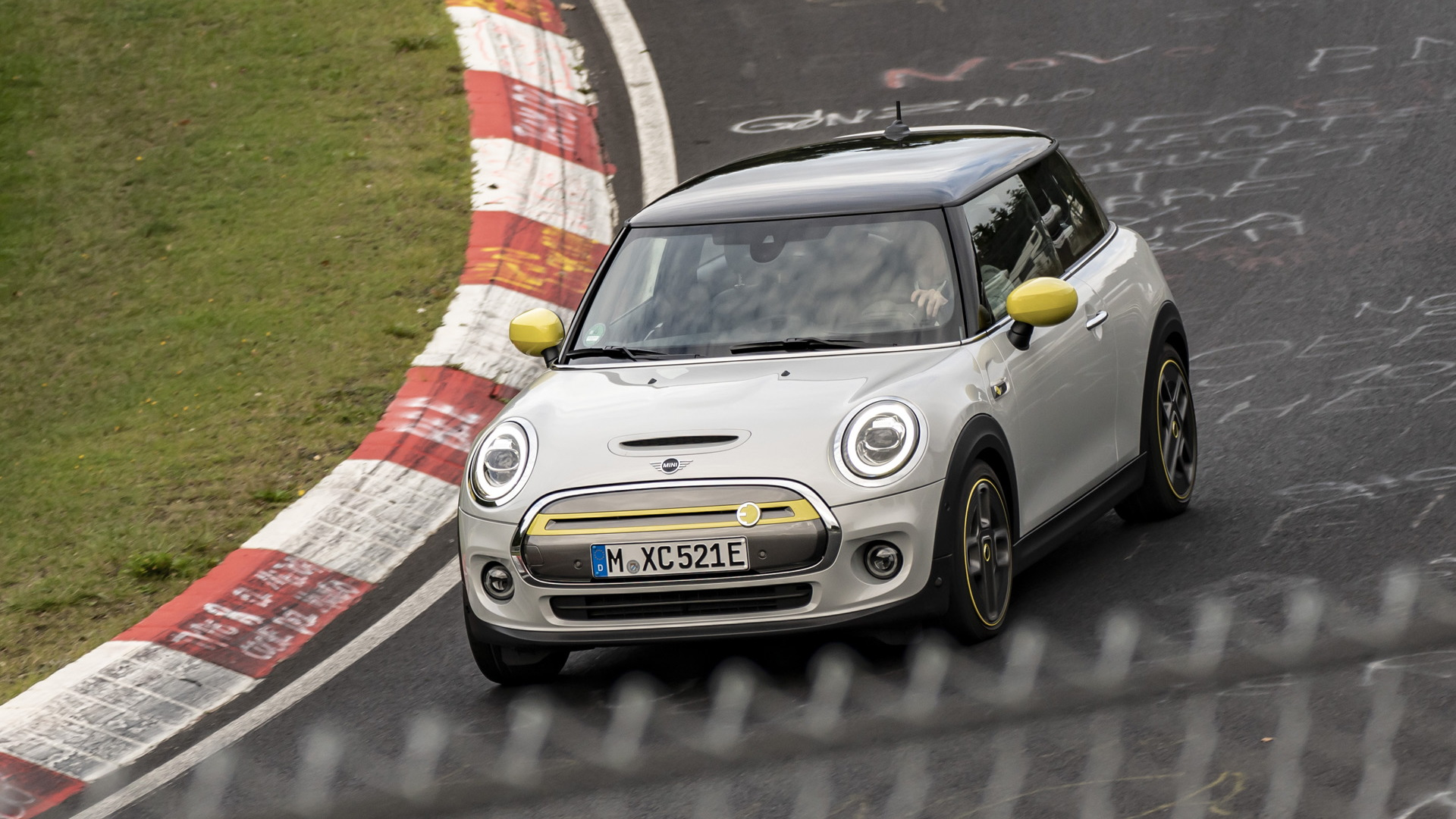 2020 Mini Cooper SE at the Nürburgring